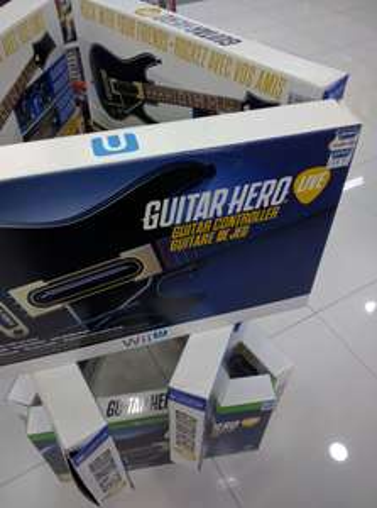 Gamers: Guitarra Guitar Hero Live para PS4 y WII U