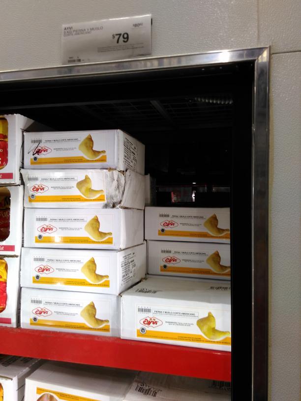Sam's Club Poza Rica: Caja con 5kg Pollo $79 caducidad 2017