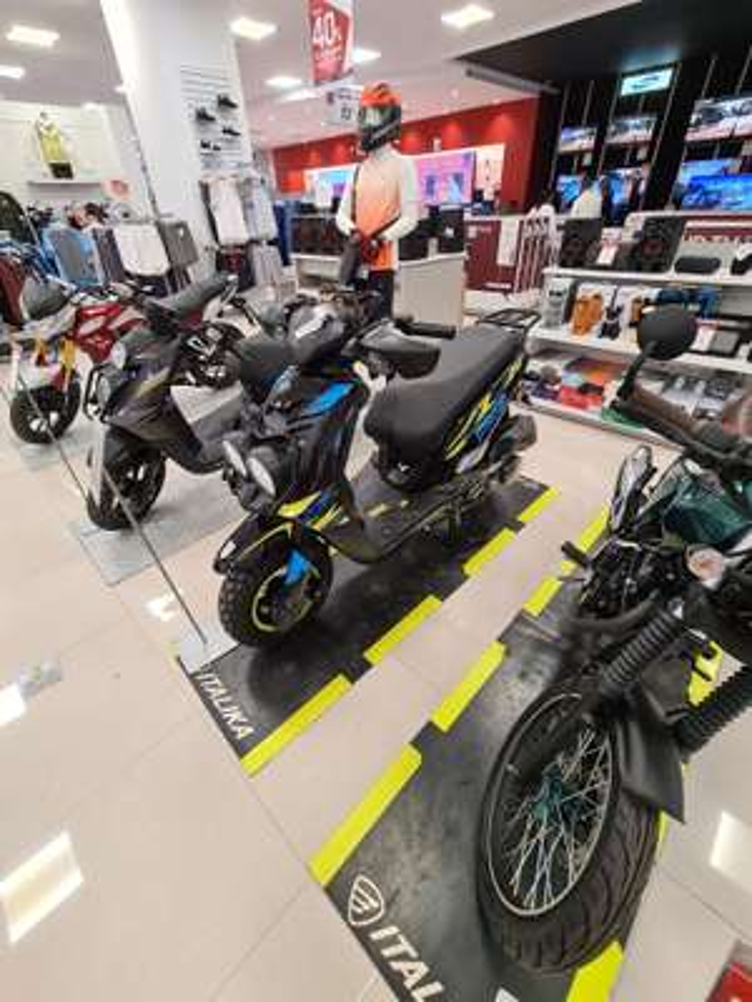 Suburbia tuxtepec Motoneta italika WS 175 Sport 2021 con Scooter de regalo
