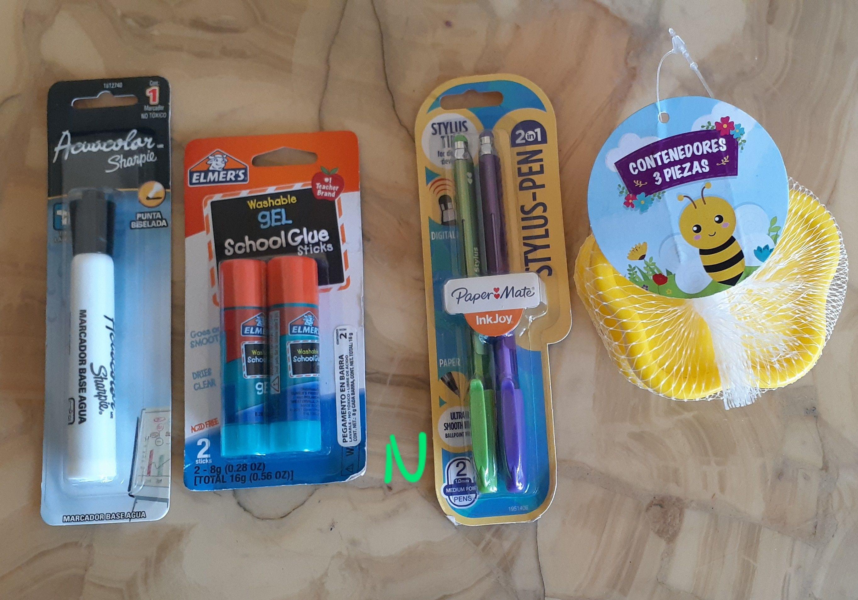 Walmart: Copas Desechables y Arts. de Papelería
