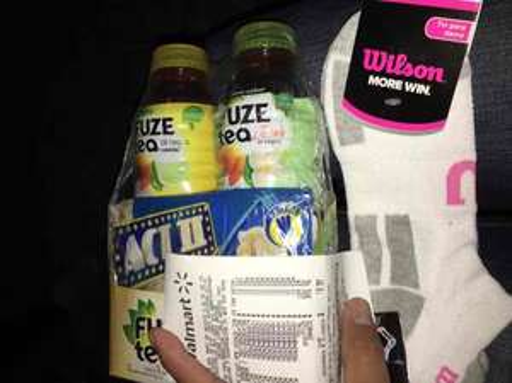 Walmart: Tines Wilson y dos Fuze Tea