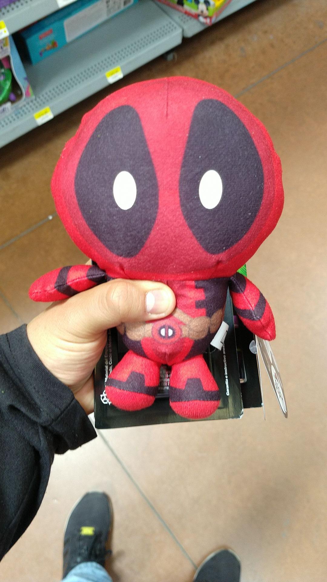 Walmart: Peluche Deadpool