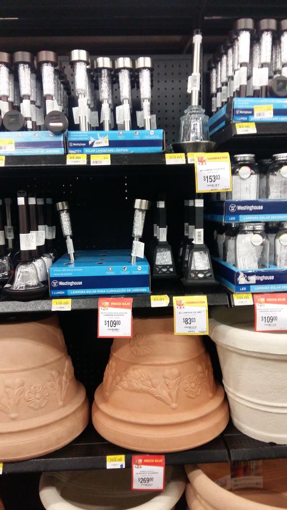 Walmart: liquidación de lámparas solares para jardín