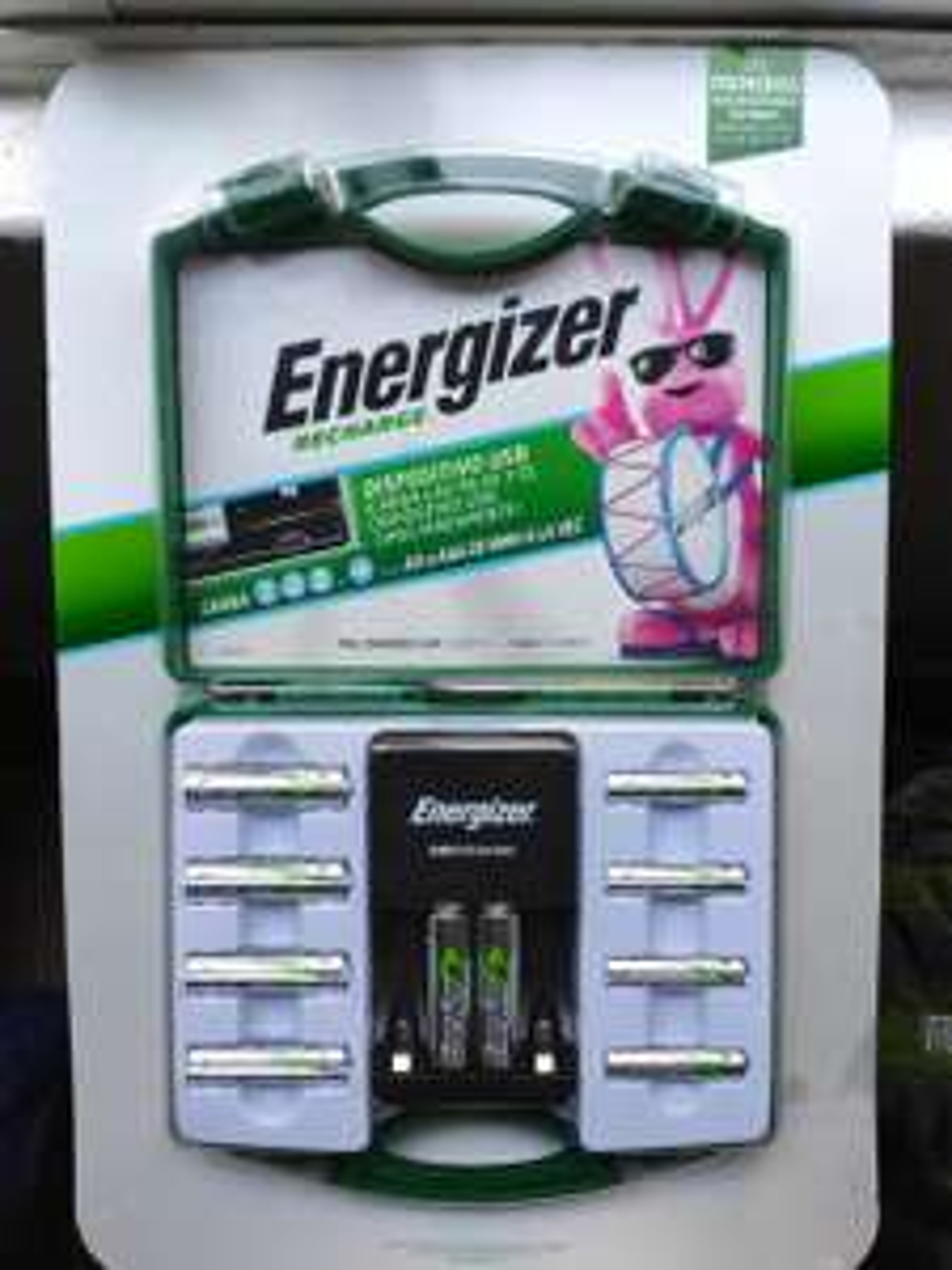 Costco Coapa: Energizer cargador con 6xAA y 4xAAA y estuche