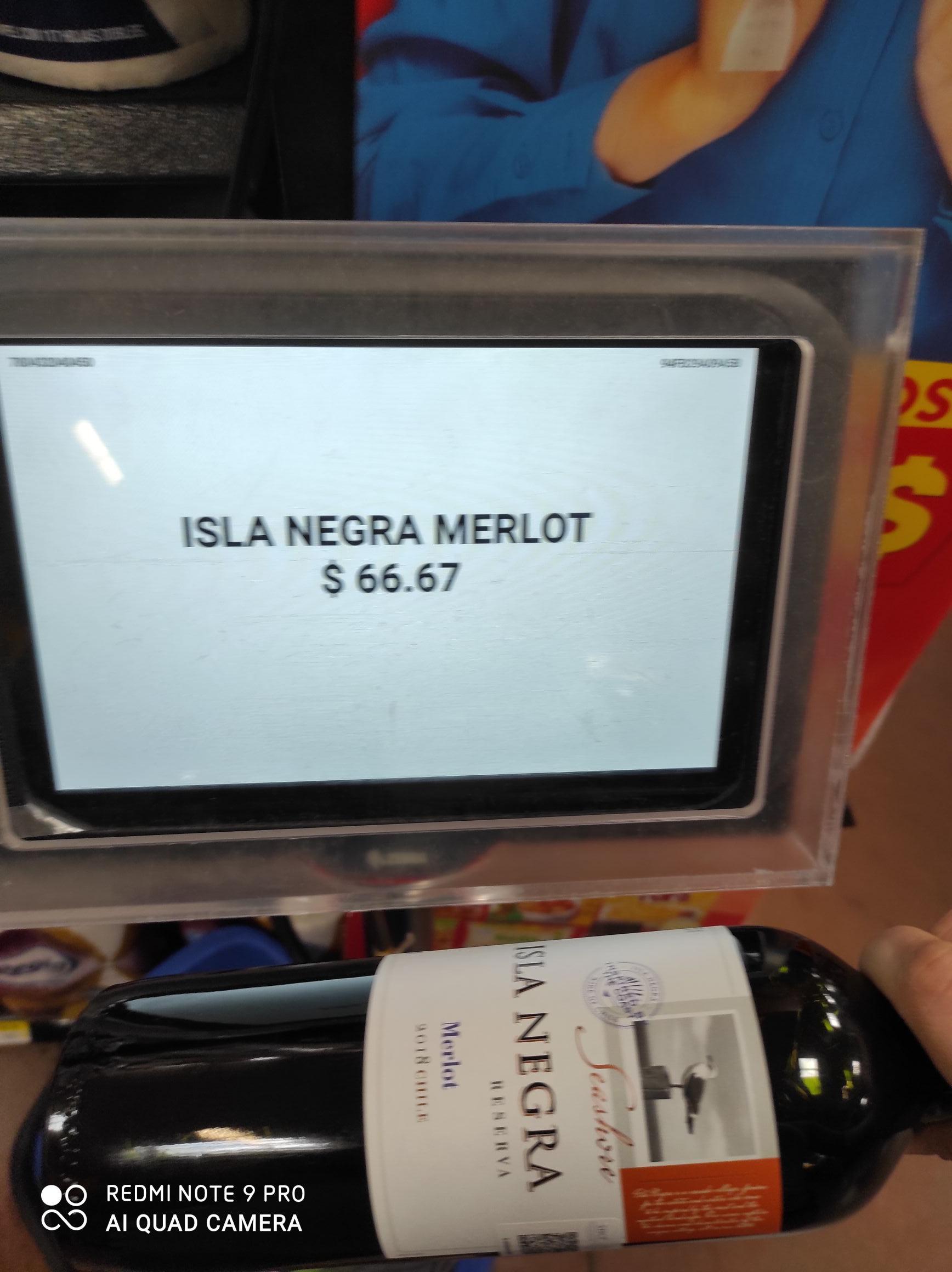 Walmart: Vino Isla Negra $66.67 y plástico autoadherible $22.01