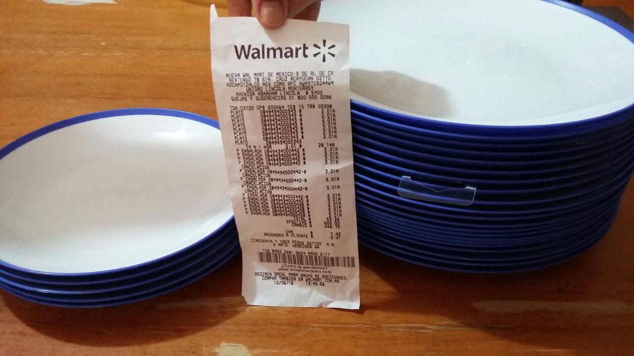 Walmart Lincoln: platos de plástico grandes de $24.90 a $2.01
