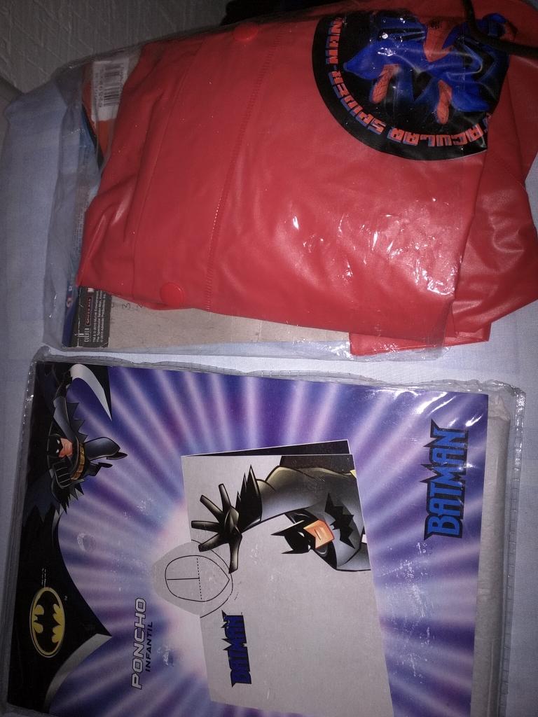 Bodega Aurrerá: Impermeable Batman a $10.02