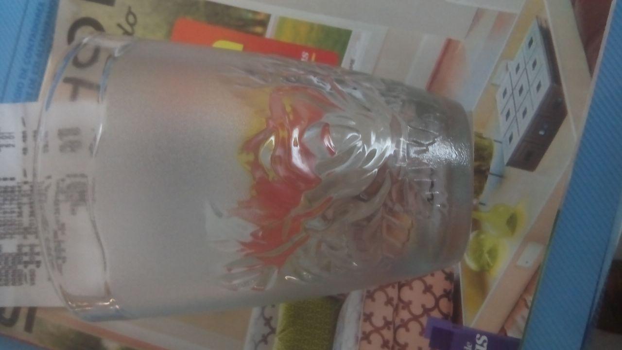 Bodega Aurrerá: vasos de cristal con flores a $1.01