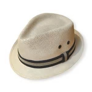 Walmart: Sombrero panameño LEO CASTELLO, precio de lista $98, precio en tienda fisica $10.01 (León, Guanajuato)