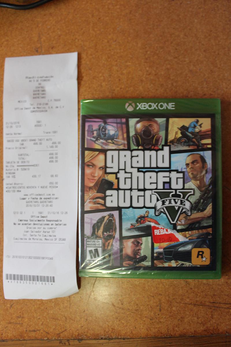 Radioshack Galerías Querétaro: GTA V Xbox One