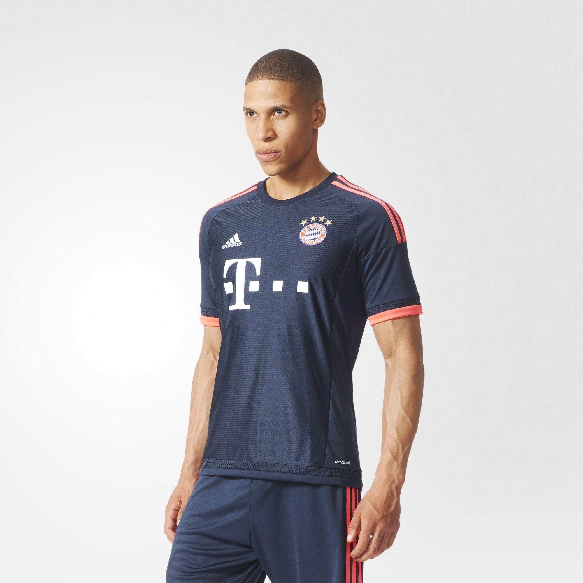 Adidas: Jersey Bayern Munich (visita)