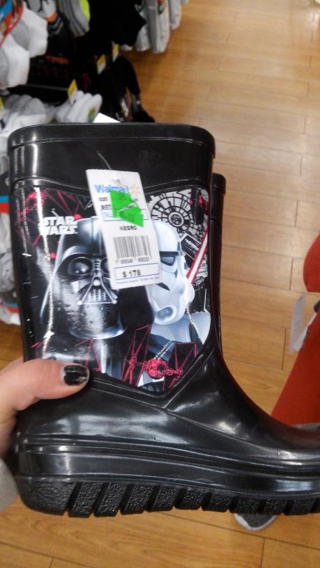 Walmart de Reforma Puebla: botas para lluvia a $60.03