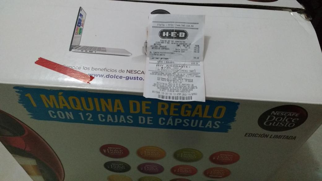 HEB: Cafetera con 12 cajas de cápsulas