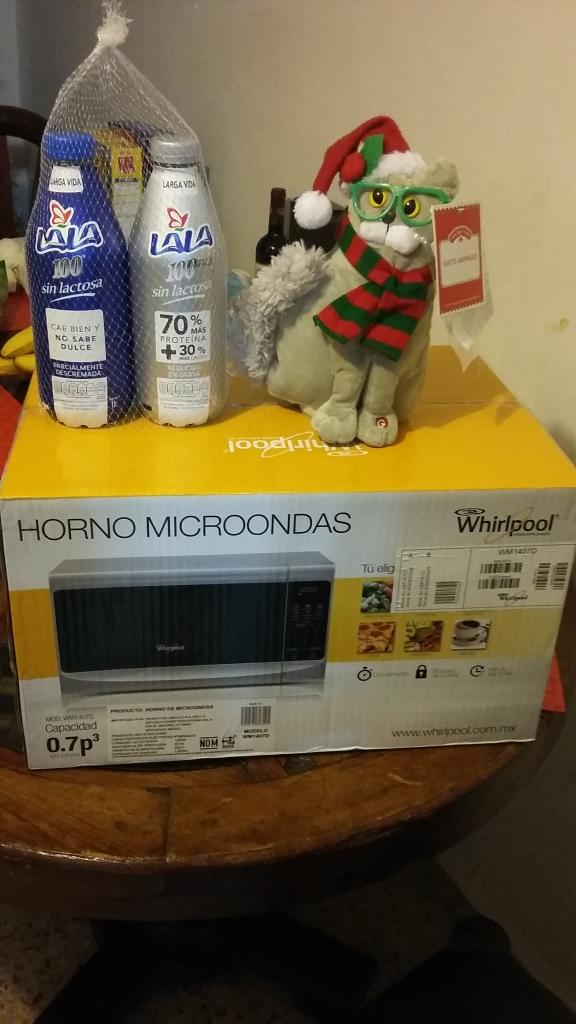 Walmart MIguel Aleman: gado adorno navideño $.01, mantel navideño $5.01 y más
