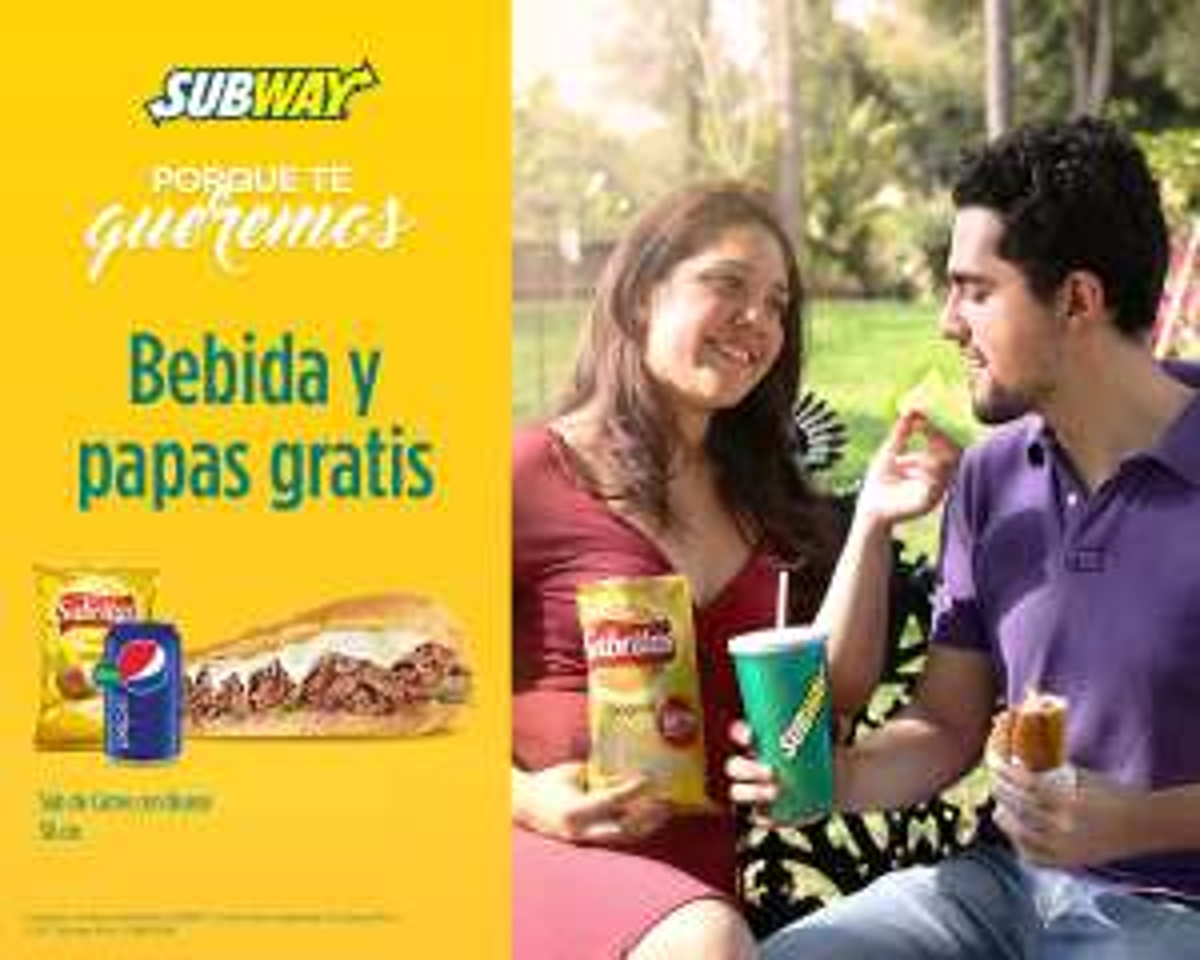 """Subway: Promoción """"Doce Beneficios"""" (5. Bebida y papas gratis en la compra de un Footlong Premium)"""