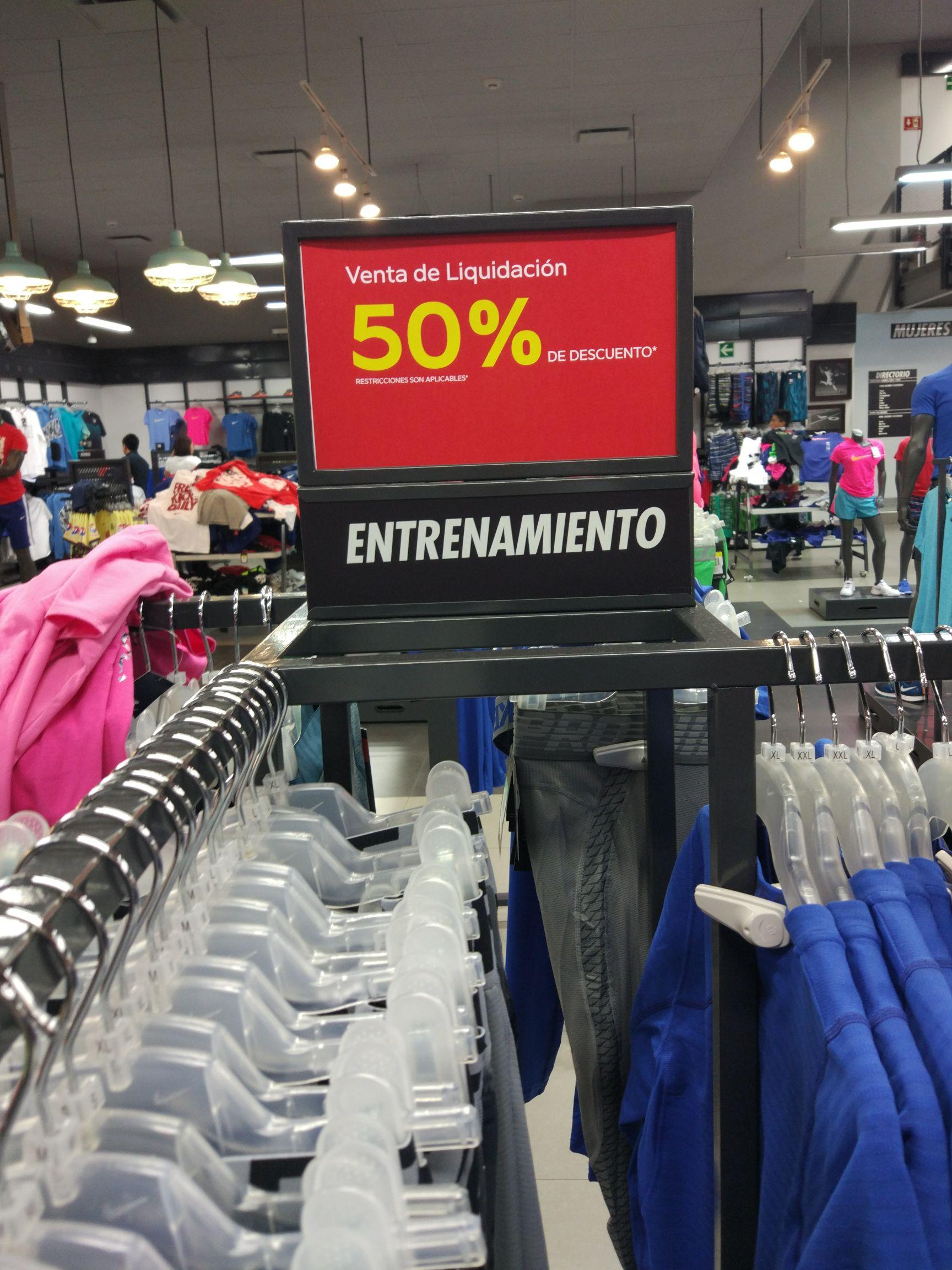 CDMX  Nike Factory Store Miramontes todo al 60%