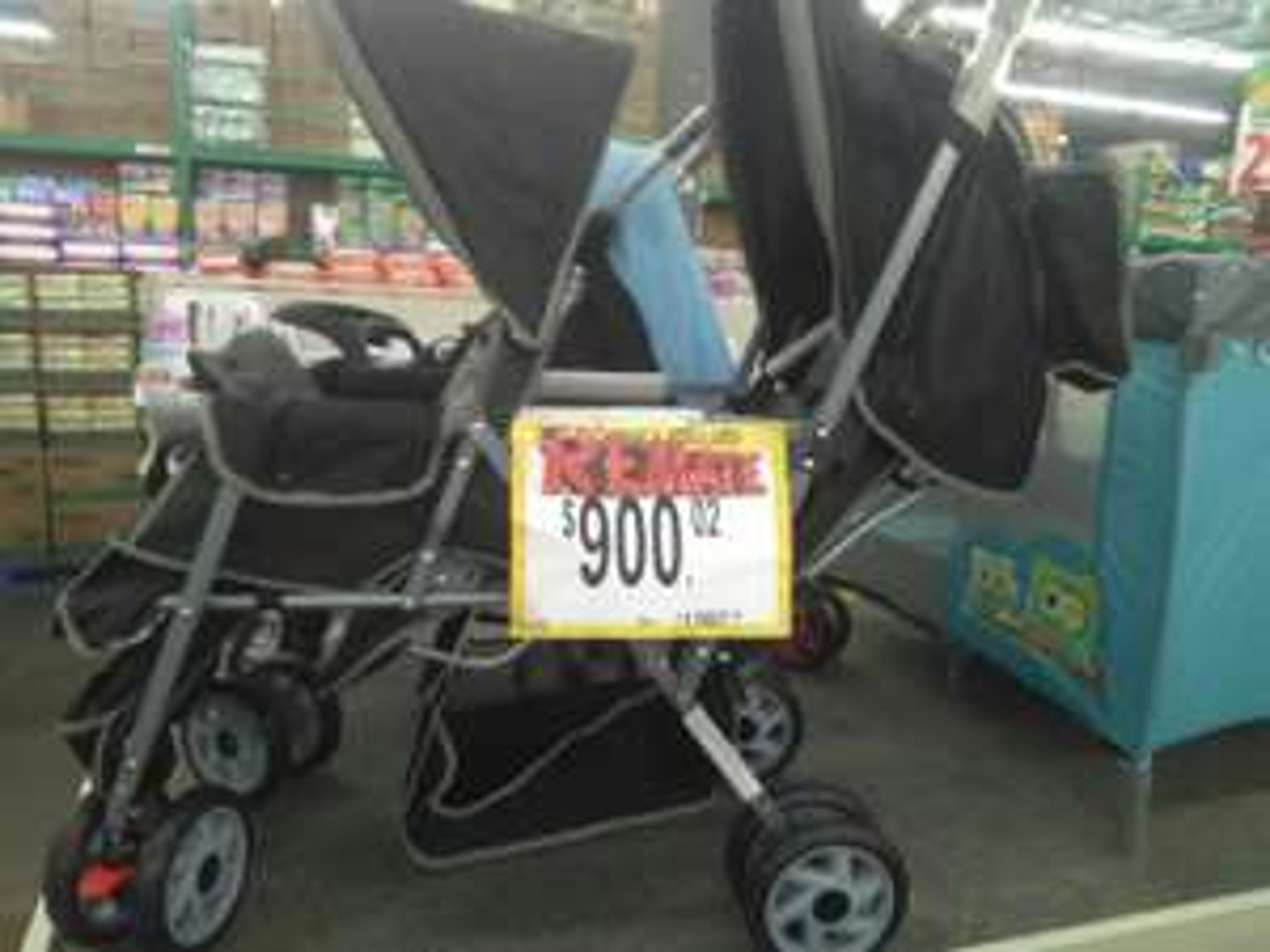 Bodega Aurrera: Carreola para gemelos