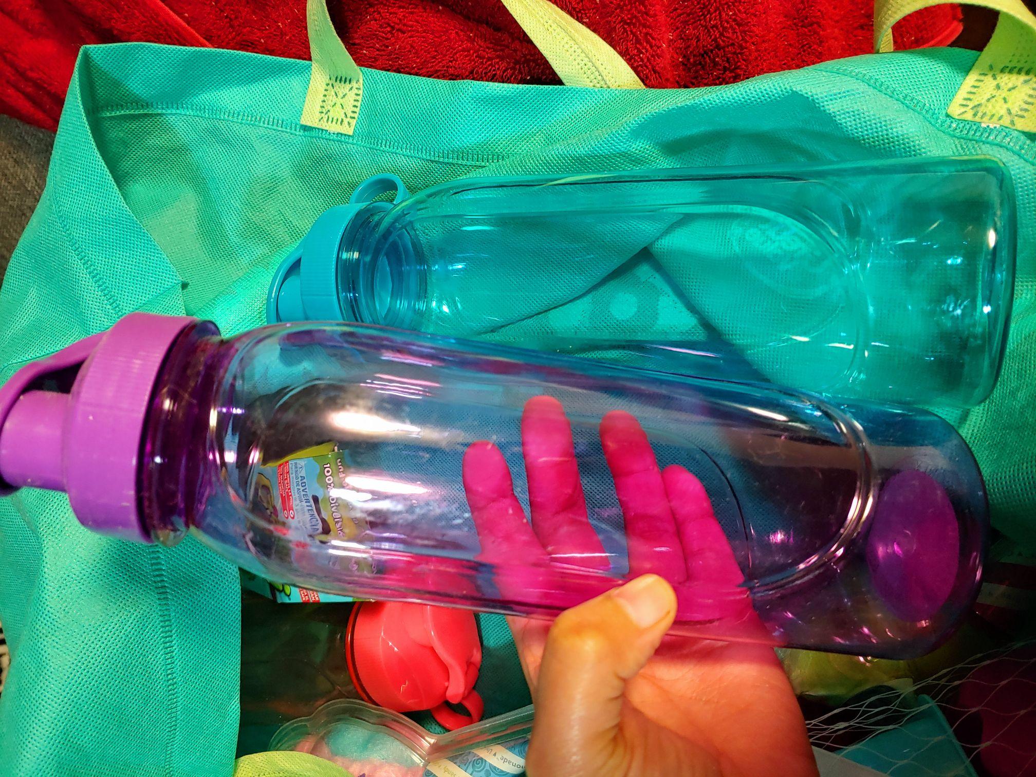 LIQUIDACION Bodega Aurrera /juguetes y Botella para agua de 800 ml