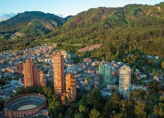 Vuelo redondo a Bogotá (impuestos incluidos)