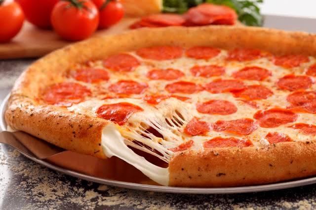 Domino's y BanCoppel: Pizza Grande (4 ingredientes ó especialidad) + Papotas x $199.00